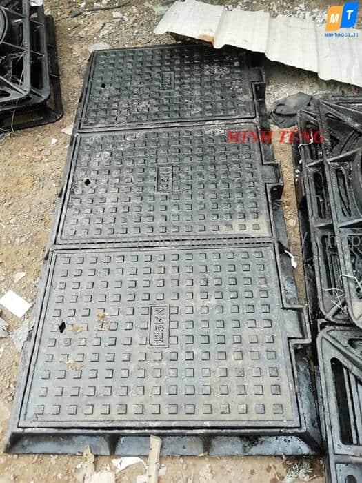 Nắp hố ga gang cầu khung nắp vuông, 3 cánh